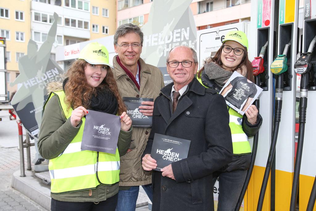 Blerta Rexha, Peter Kowatsch (Vorsorgereferent der Ärztekammer Salzburg), LH-Stv..
