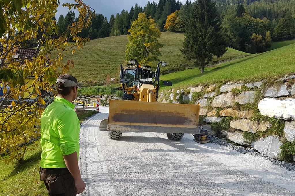 Mit dem Fonds zur Erhaltung ländlicher Straßen wurde beispielsweise der Martiner..