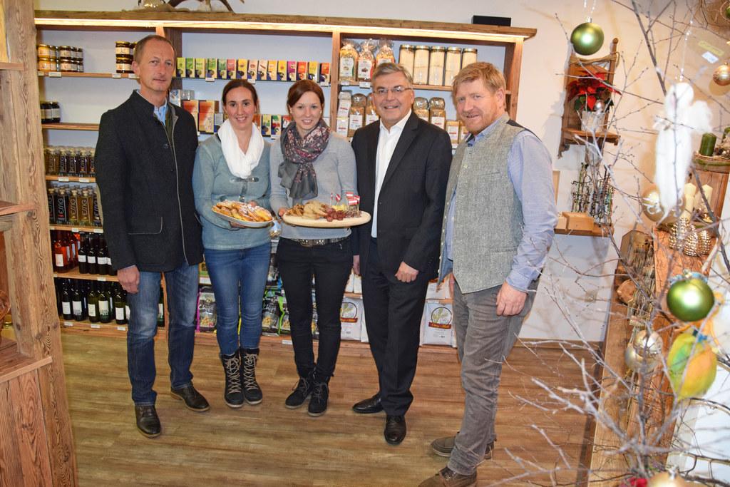 Bgm. Johann Rohrmoser, Katrin Prommegger, Martina Hettegger, Landesrat Josef Sch..