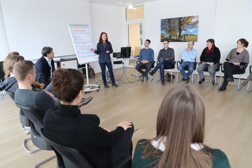 Netzwerktreffen zum Thema Gewaltprävention  in der Bezirkshauptmannschaft Hallei..