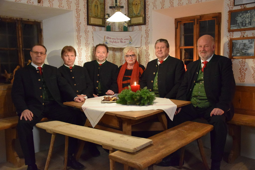 Brigitte Trnka mit dem Lainerhof Quartett im Freilichtmuseum Großgmain