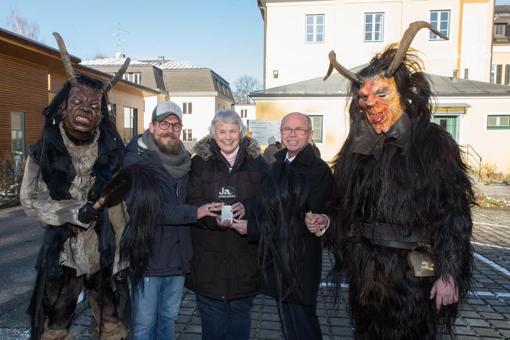 Von links: Stefan Mayrhofer, Rosemarie Liebminger und Landeshauptmann-Stellvertr..