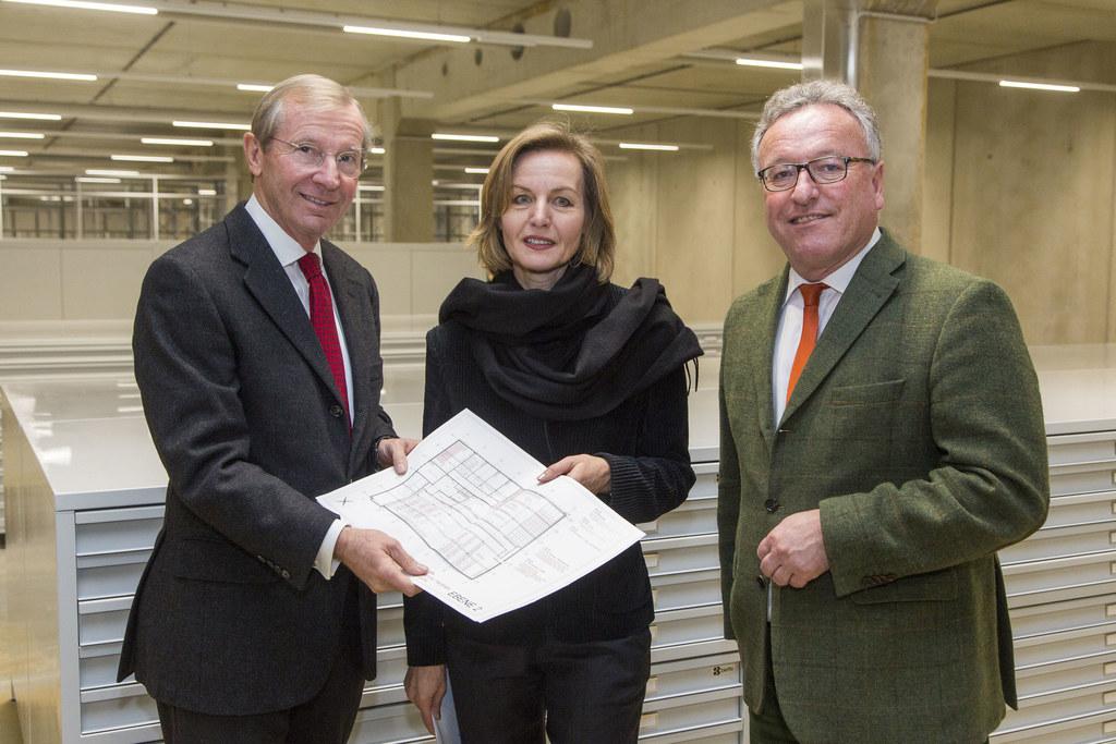 Landeshauptmann Wilfried Haslauer, Direktorin Sabine Breitwieser, Landesrat Hein..