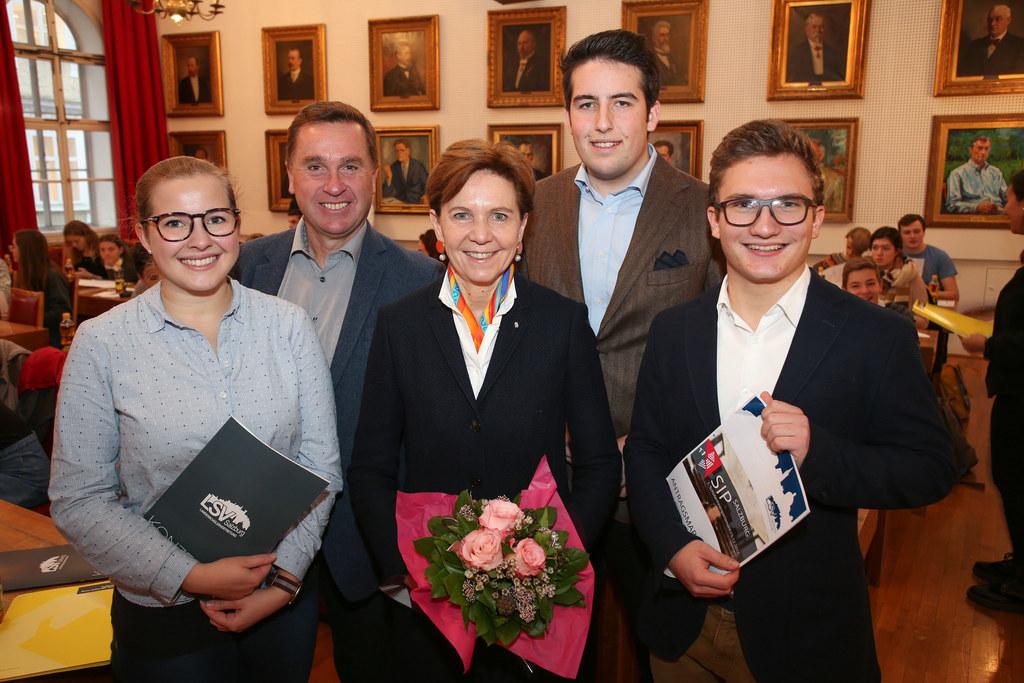 Im Bild v. li: Sophie Kreis BMHS Landesschulsprecherin, Landesschulratspräsident..