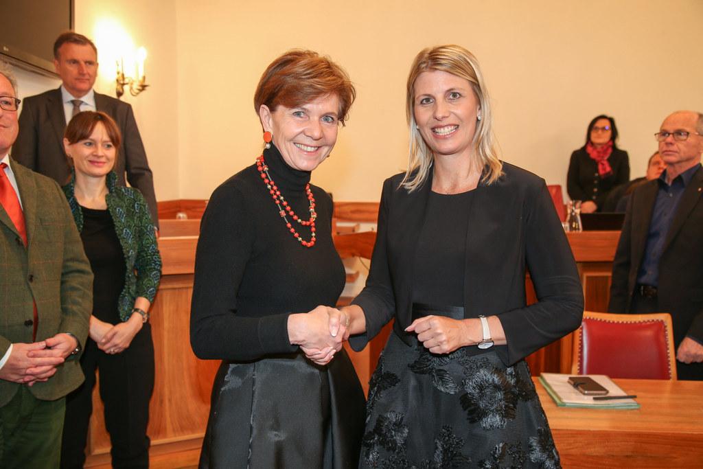 Landtagspräsidentin Brigitta Pallauf und LAbg. Sabine Klausner.