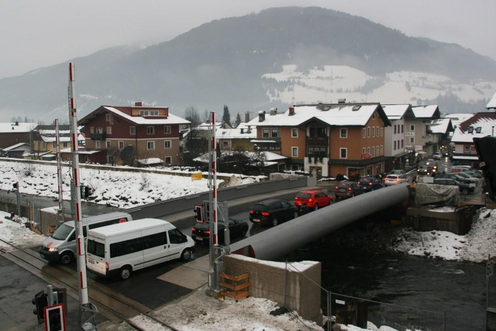 Kurz vor Weihnachten konnte die Hubbrücke im Ortszentrum von Mittersill für den ..