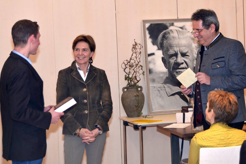 Landtagspräsidentin Brigitta Pallauf bei der Vergabefeier im Pflegerschlössl Wag..
