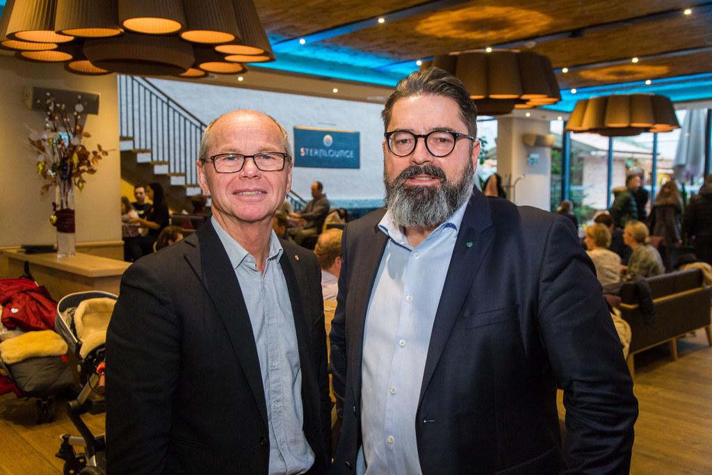 LH-Stv. Christian Stöckl mit Harald Kratzer, Sternbräu-Wirt und Unterstützer der..