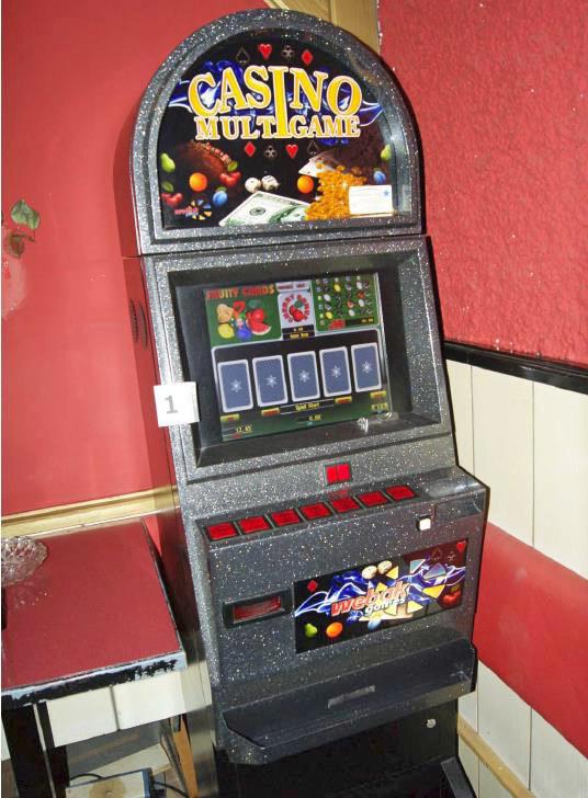 Einer der beschlagnahmten und zwischenzeitlich vernichteten Glücksspielautomaten..