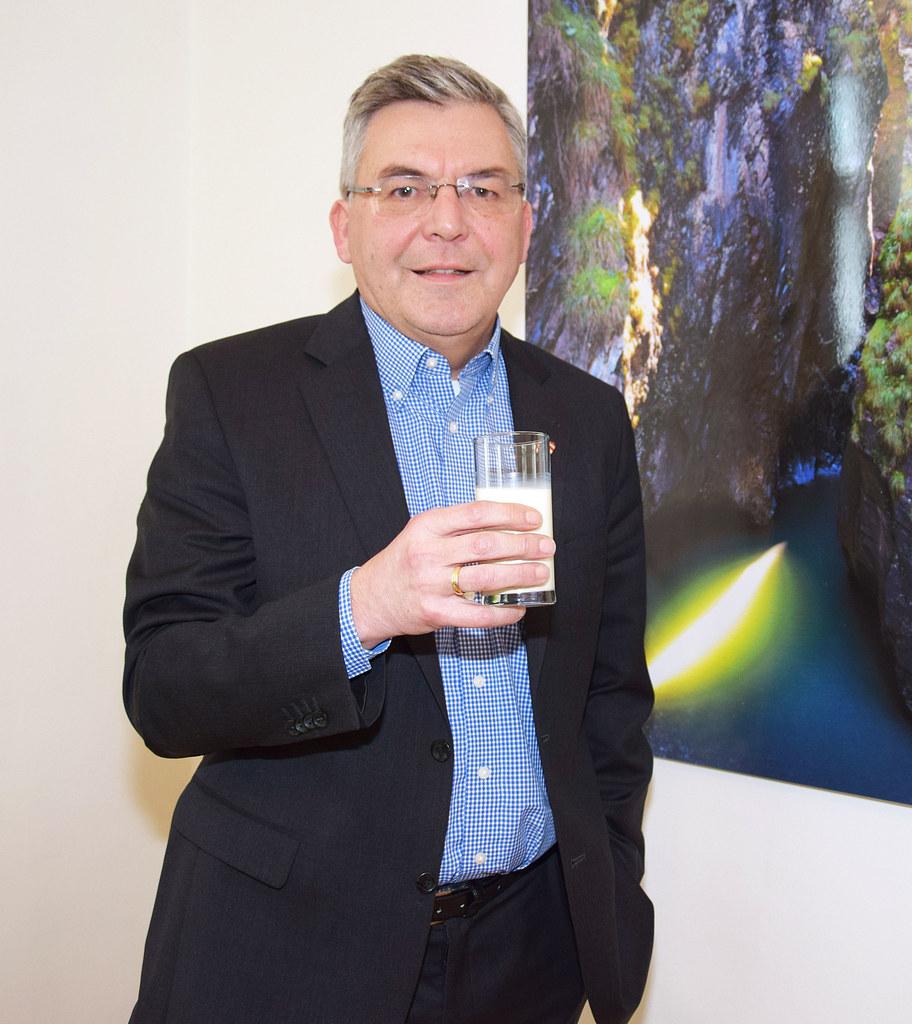 Landesrat Josef Schwaiger zum Thema Haltbarkeit von Lebensmitteln.