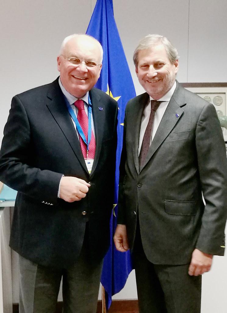 Franz Schausberger (li.) besprach seine Stellungnahme zum Westbalkan mit Erweite..