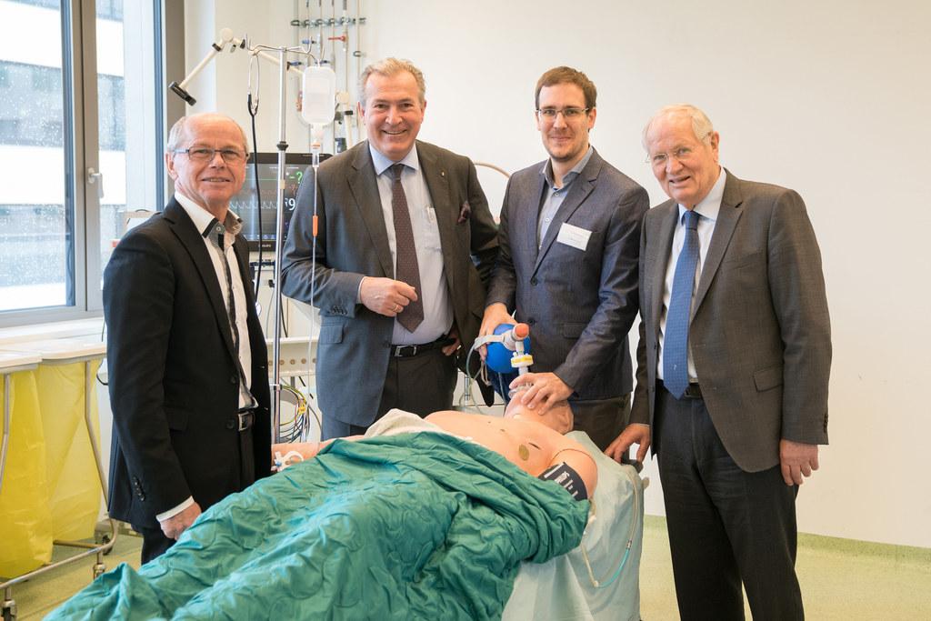 LH-Stv. Christian Stöckl, Geschäftsführer und Allgemeinchirurg Paul Sungler, Anä..