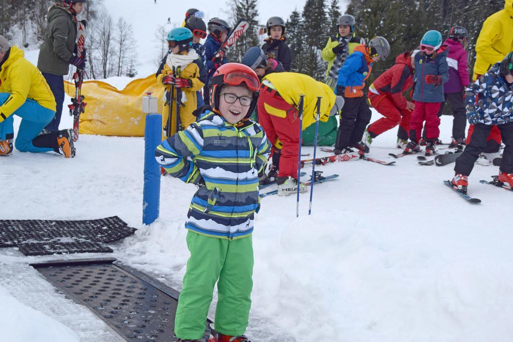 School on Snow begeistert Kinder fürs Skifahren.