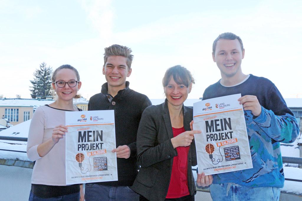 Im Bild von links: Sarah Eder, Benedikt Wimmer, Landesrätin Martina Berthold und..