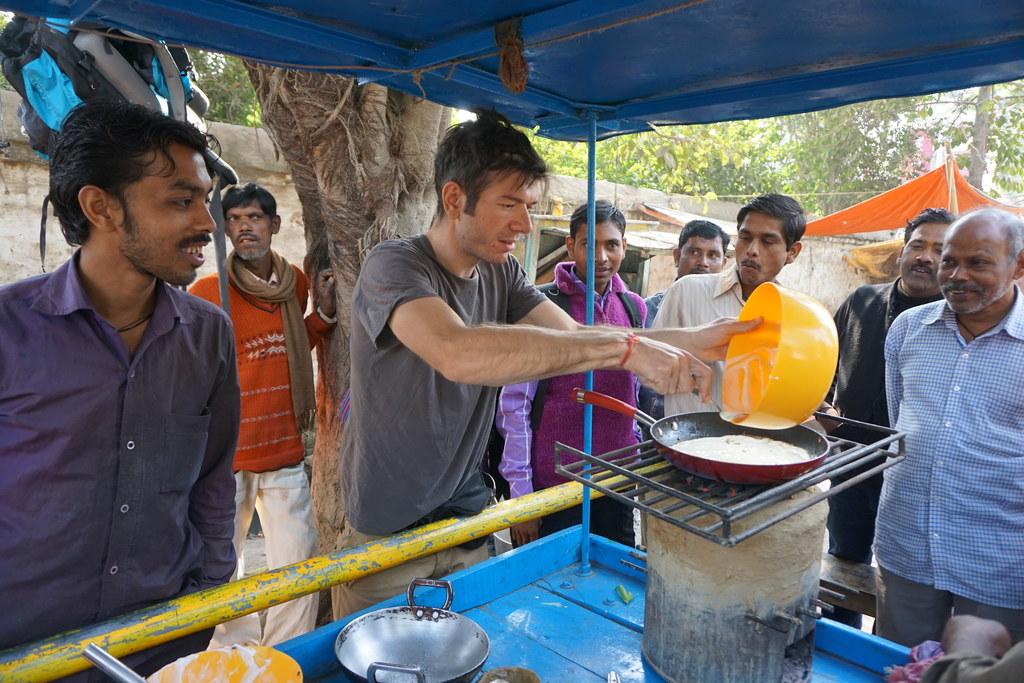 Peter Fritzenwallner arbeitete vor drei Jahren in Varanasi in Indien. Während se..