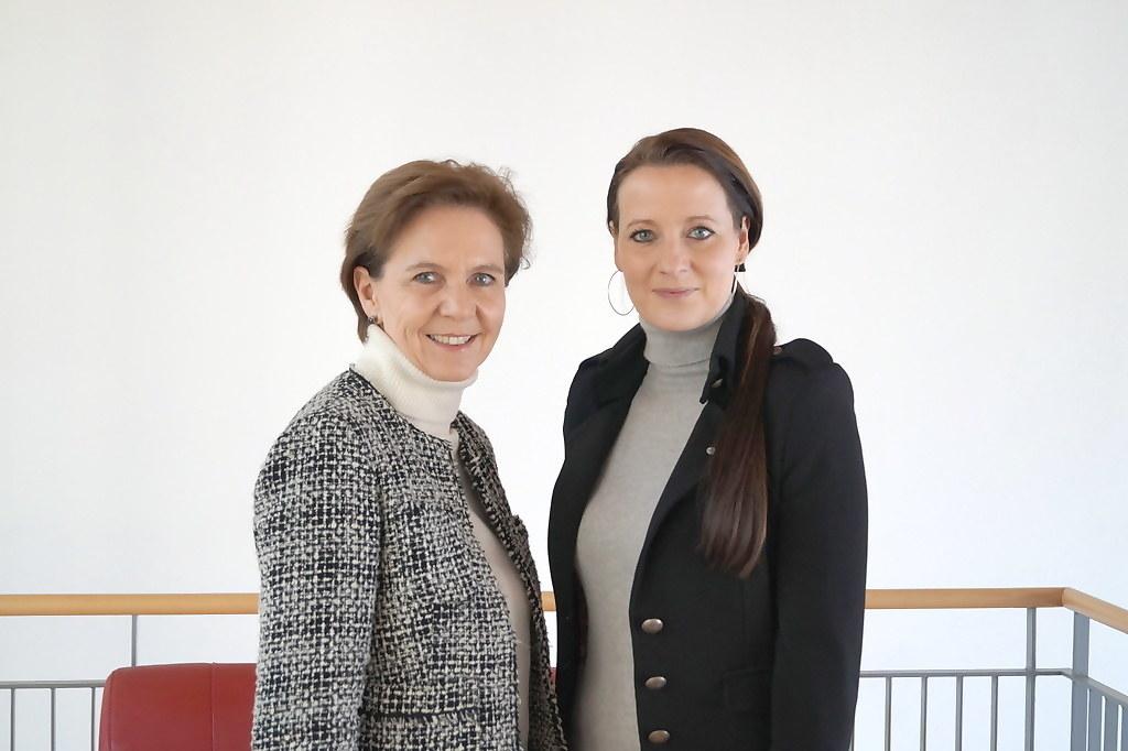 Landesrätin Brigitta Pallauf und Allegra Frommer, Geschäftsführerin Salzburger V..
