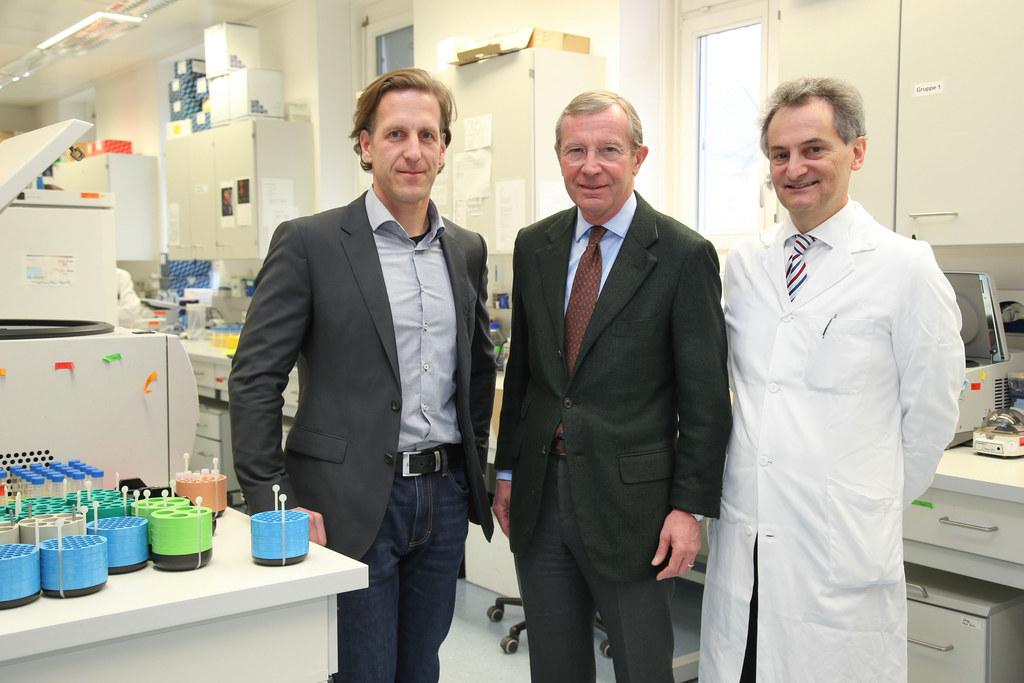 Fritz Aberger (Stv.- Leiter Cancer Cluster Salzburg), Landeshauptmann Wilfried H..
