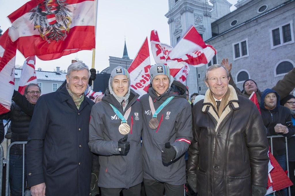 Empfang der Olympiateilnehmer auf dem Kapitelplatz.