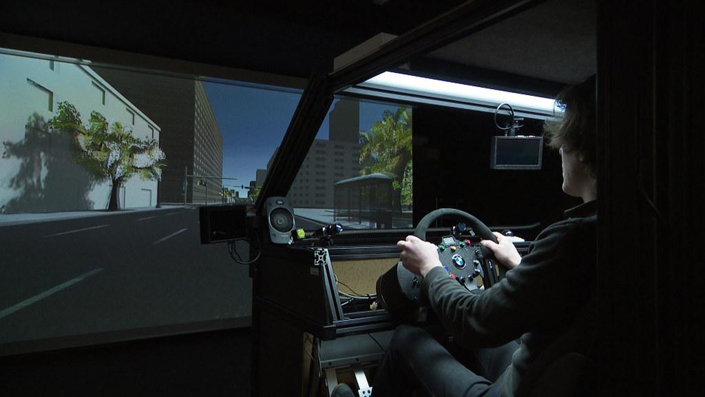 Ein Eye-Tracker im Fahr-Simulator liefert viele notwendige Erkenntnisse für noch..