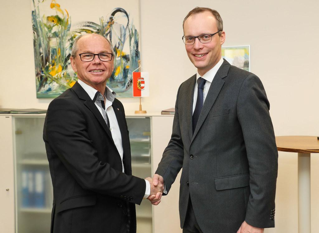 Alexander Biach vom Hauptverband der Sozialversicherungen beim Treffen mit dem S..