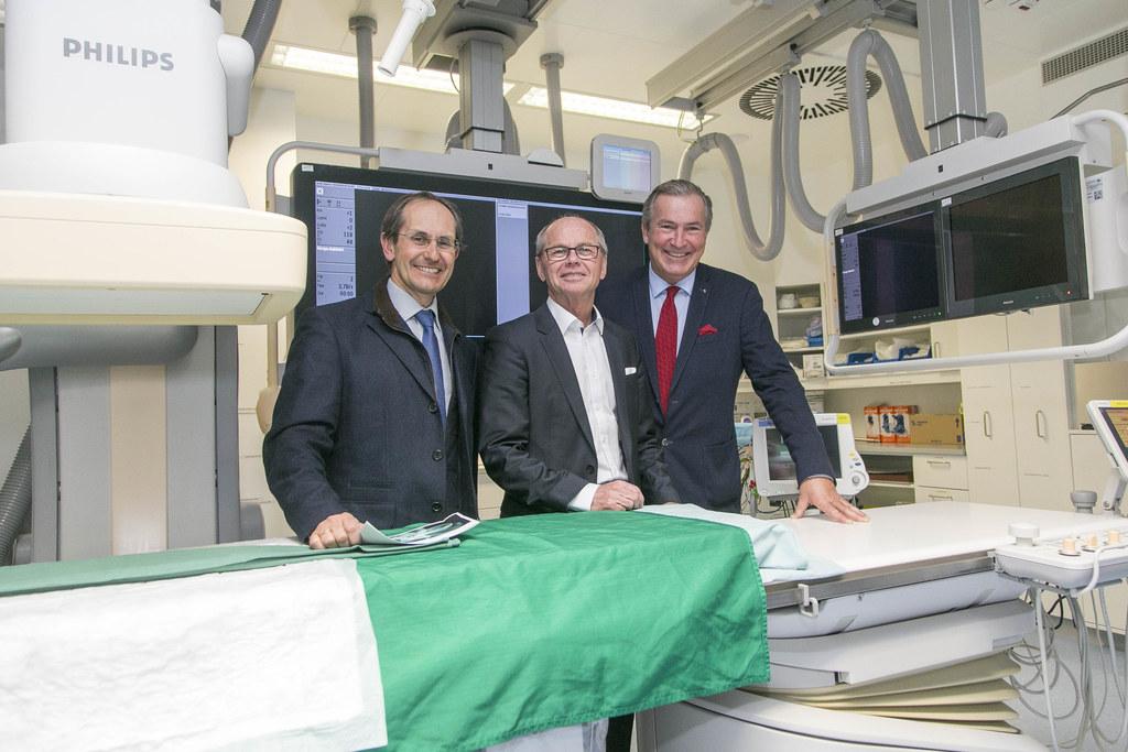 Eröffnung der Angiographie mit Klaus Hergan (Vorstand Universitätsinstitut für R..