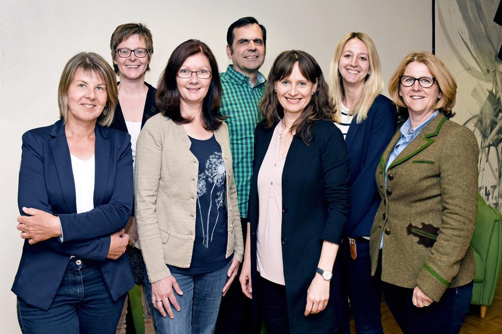 Das Team von Forum Familie informiert in jedem Bezirk. V.l. Christine Schläffer ..