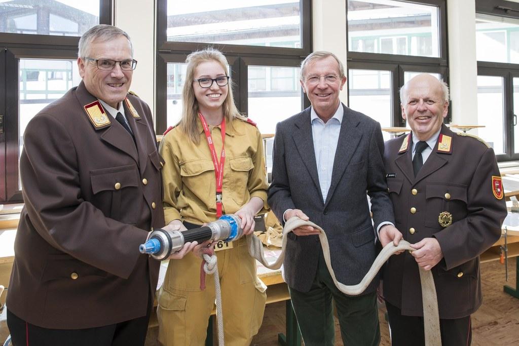 Wissenstest der Feuerwehr in der Faistenau, im Bild: Leopold Winter, Julia Kastn..