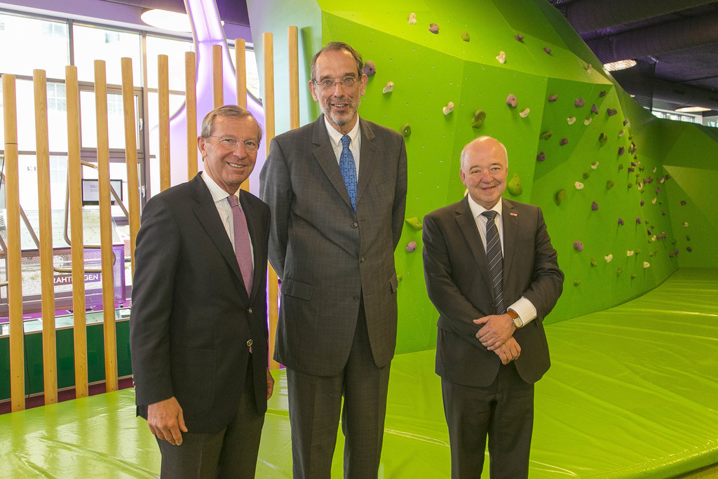 Besuch bei Talentecheck in WIFI Salzburg: LH Wilfried Haslauer, Bildungsminister..