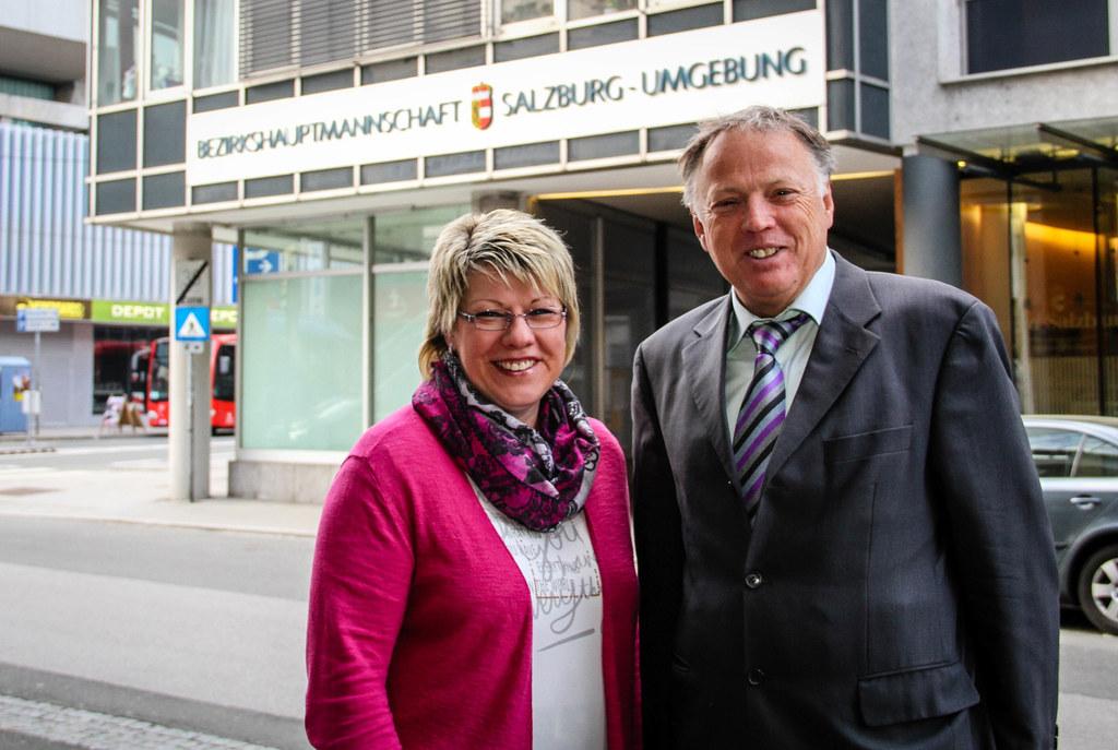 Wahlleiter Erich Schneglberger und seine Stellvertreterin Doris Aigner.