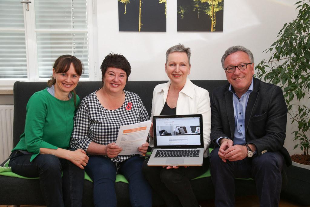 Neues Beratungsangebot 70plus, im Bild: LR Martina Berthold, Sonja Schiff (Alter..