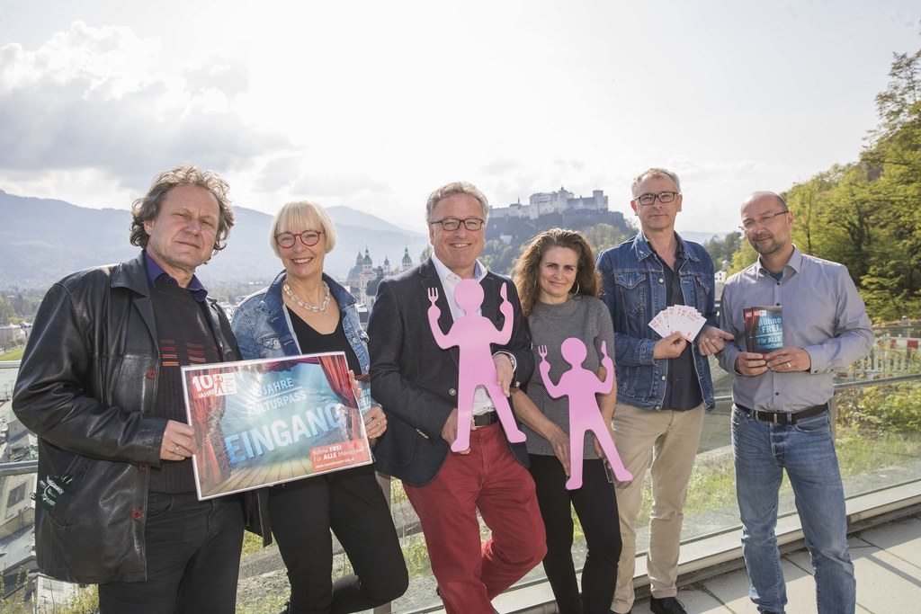 Hunger auf Kunst und Kultur im M32 in Salzburg, im Bild: Gerard Es, Brigitte Buc..