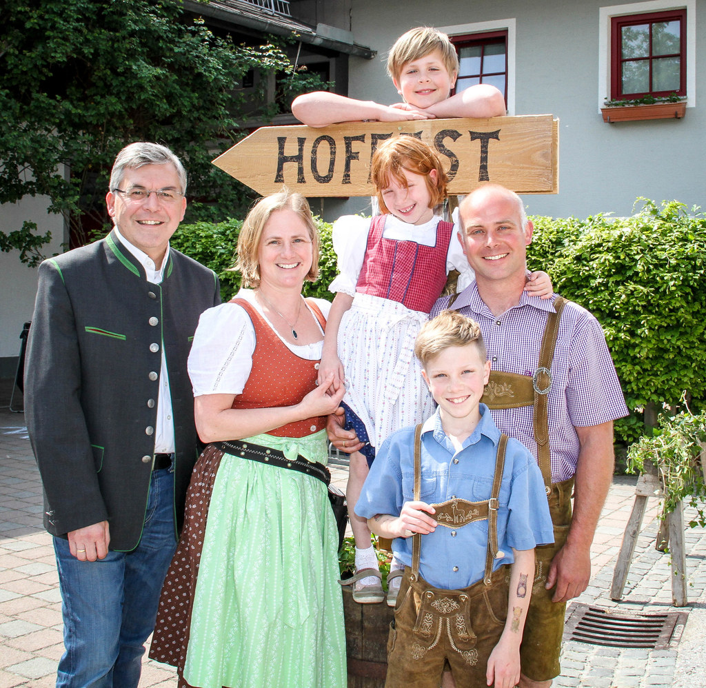 LR Josef Schwaiger schaute bei Familie Gerl am Dödererhof mitten in Wals-Siezenh..