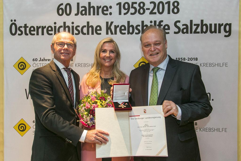 Landeshauptmann-Stellvertreter Christian Stöckl zeichnete Präsident Anton-Helmut..