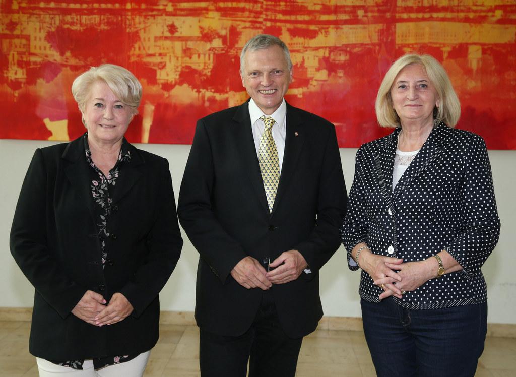Besuchs-Delegation aus Polen im Rathaus Salzburg, im Bild von links: Mikolaj Grz..