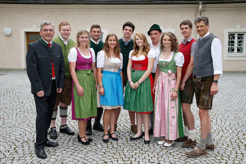 LR Josef Schwaiger gratulierte zum erfolgreichen Abschluss, im Bild: LR Josef Sc..