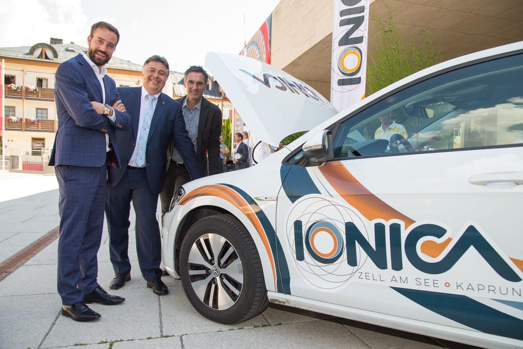 IONICA zeigt Weg in die Zukunft, LR Schnöll eröffnet Messe für E-Mobilität im Fe..