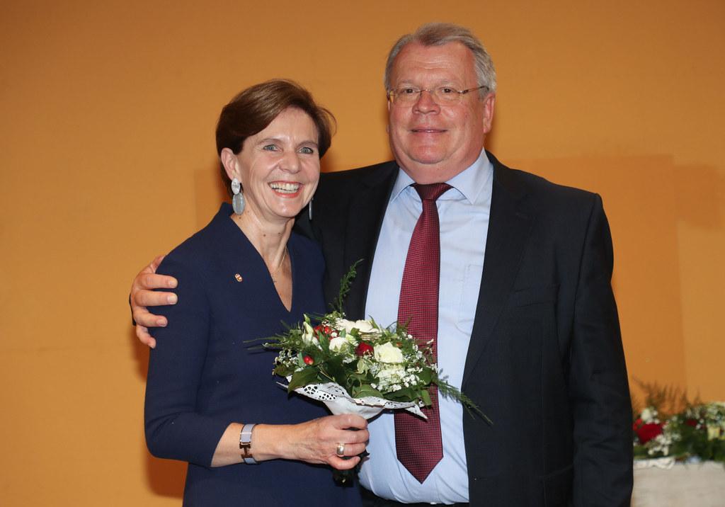 Festwochenende in Grödig, im Bild: Landtagspräsidentin Brigitta Pallauf mit Bürg..