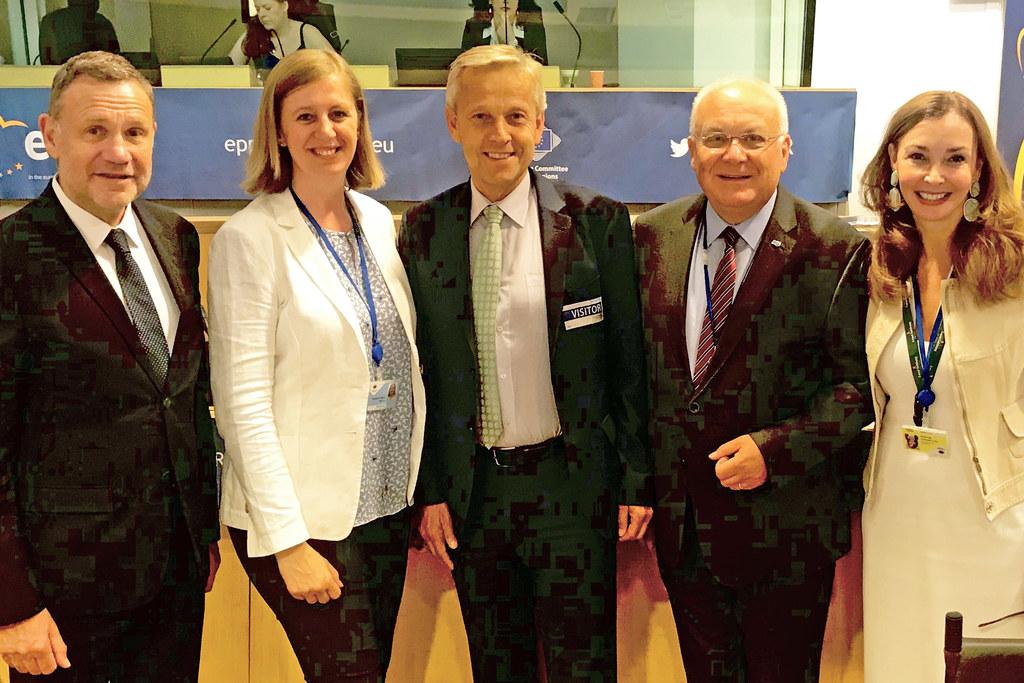 Gemeinsam für mehr regionale Mitsprache in der EU, v.l. Michael Schneider (Taskf..