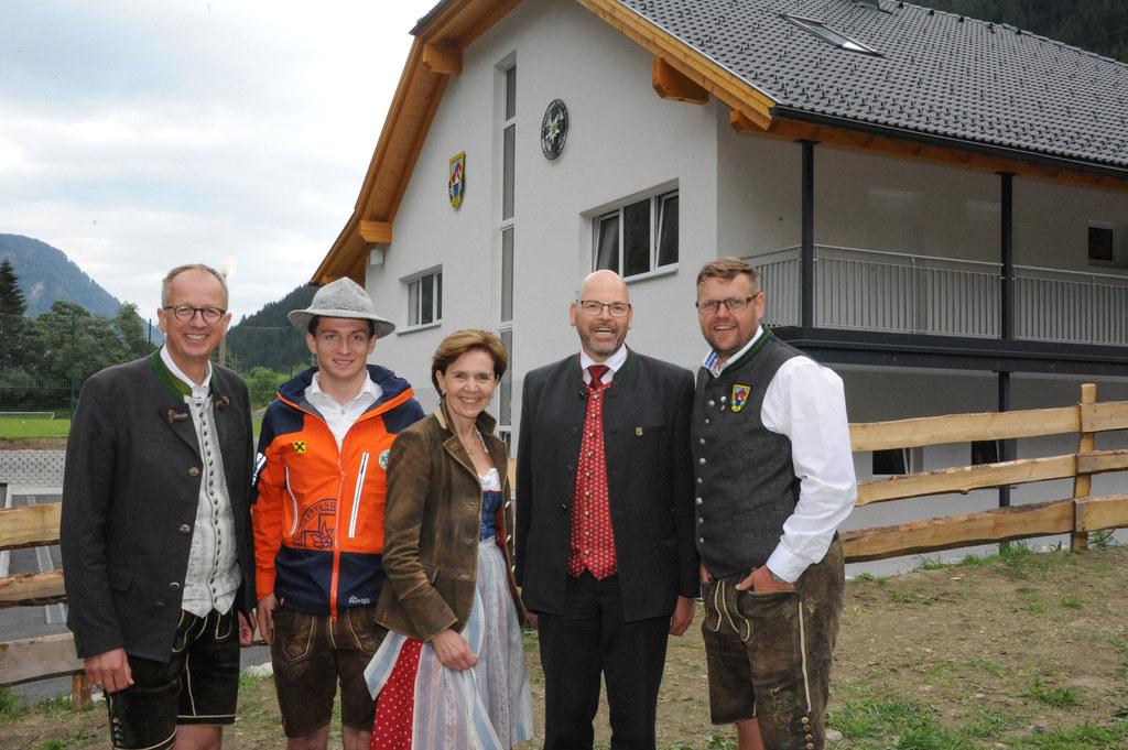 Einweihung Sportvereins- und Bergrettungshaus Muhr im Lungau, im Bild: . LAbg. M..