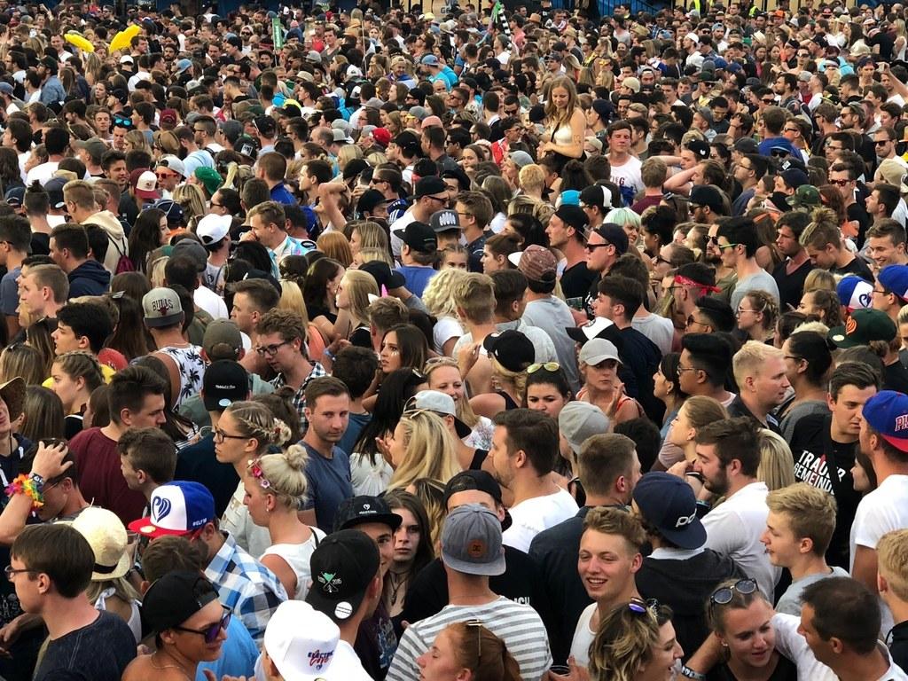 Im Land Salzburg leben mehr als 550.000 Menschen, rund jeweils ein Viertel davon..
