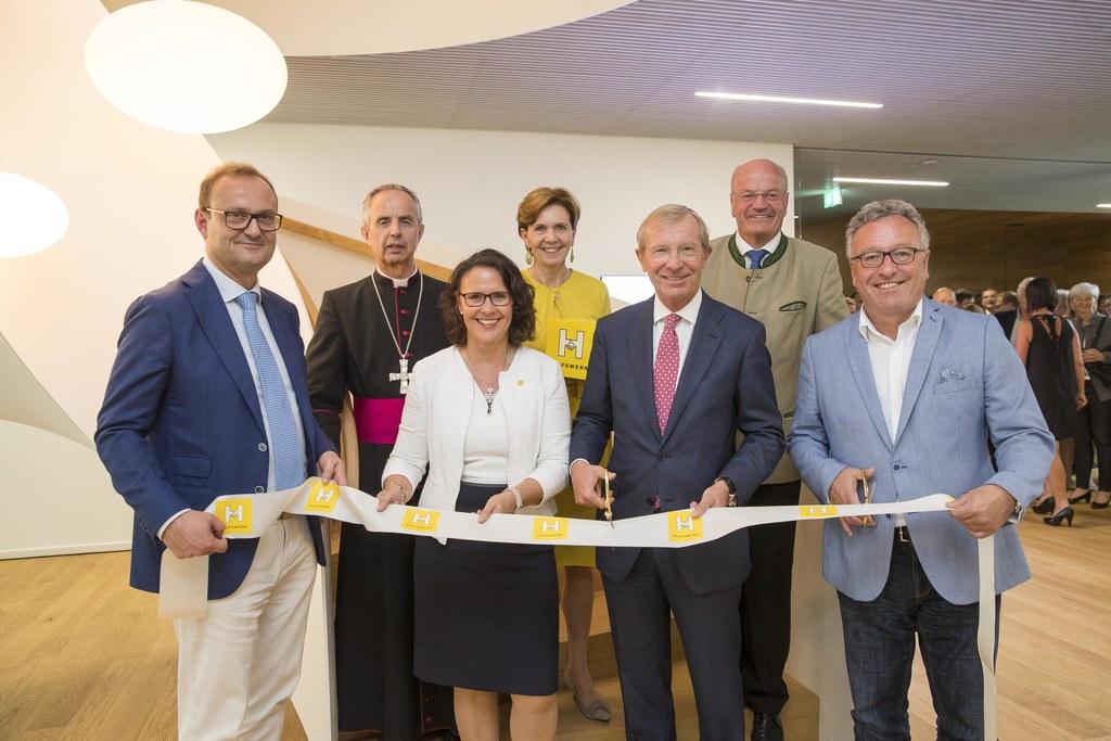 Eröffnung des Salzburger Hilfswerks am neuen Standort Puch, im Bild:  Hermann Ha..