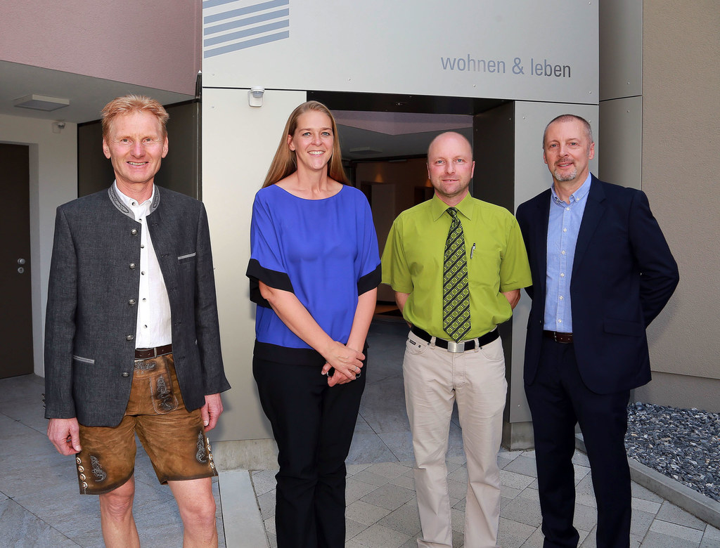 v.l.n.r.: Wilfried Weikl (GF Eigenheim) , Landesrätin Andrea Klambauer , Günter ..