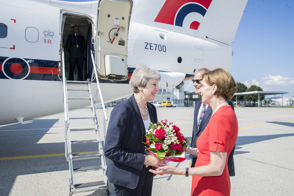 Der Flughafen als Drehscheibe: Schon Ende Juli begrüßte Landtagspräsidentin Brig..