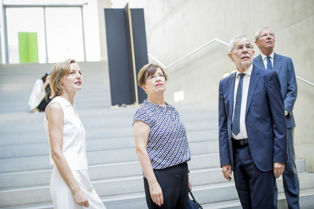 Rundgang im MdM: LH Wilfried Haslauer, Bundespräsident Alexander Van der Bellen,..