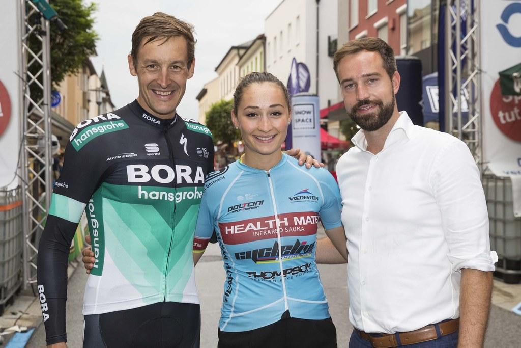 Marcus Burghardt (Sieger Herren), Kathrin Schweinberger (Siegerin Damen) und Lan..