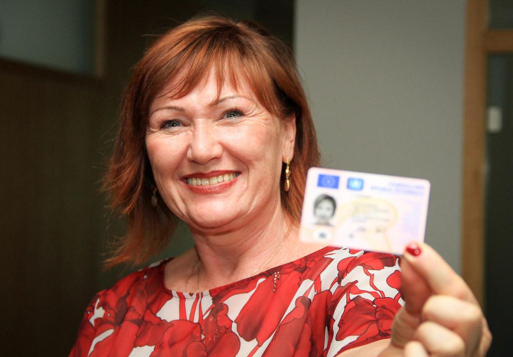 Elke Faißner ist seit 25 Jahren im Landesdienst. Wer im Pongau einen Führerschei..