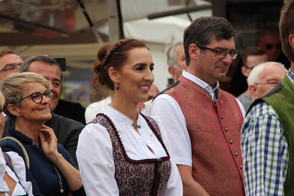 Landesrätin Maria Hutter zeigte sich in Radstadt vom neu gestalteten Ortszentrum..