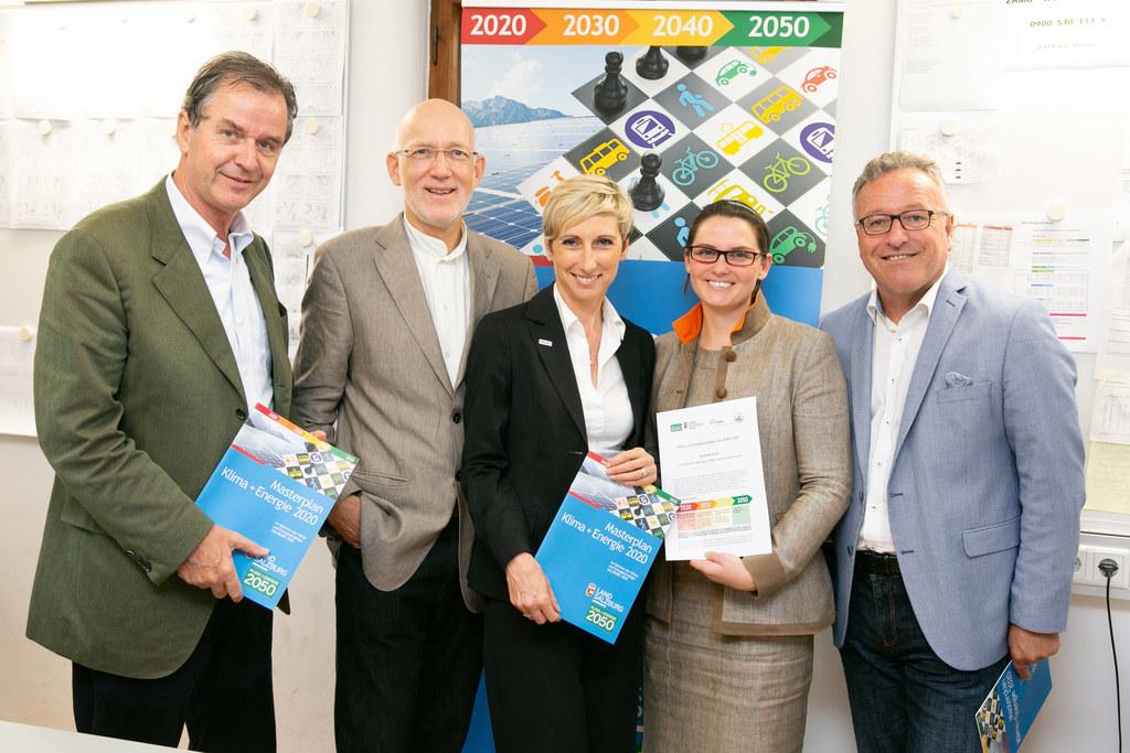 Vertragsunterzeichnung Salzburg 2050-Partnerschaften, im Bild: ZAMG-Direktor Mic..