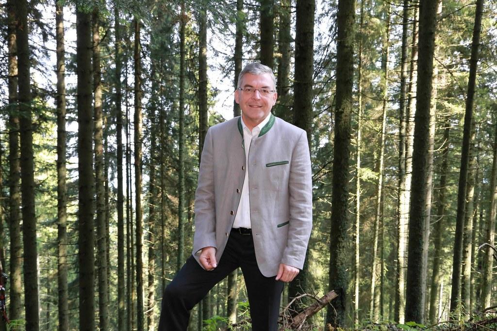 """LR Josef Schwaiger: """"Nur ein gesunder Wald schützt vor Naturkatastrophen."""""""