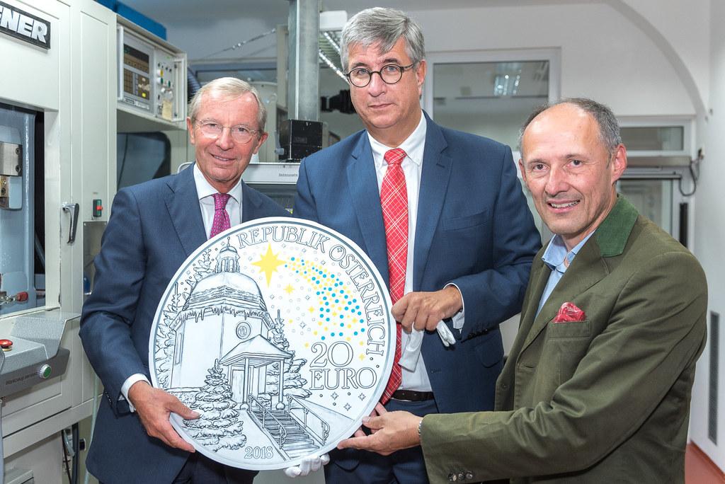 LH Wilfried Haslauer,  Generaldirektor Gerhard Starsich (Münze Österreich), GF L..
